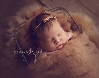 Camel Rustic Wool Fluff - newborn photography prop - brown wool batting - basket stuffer - layer