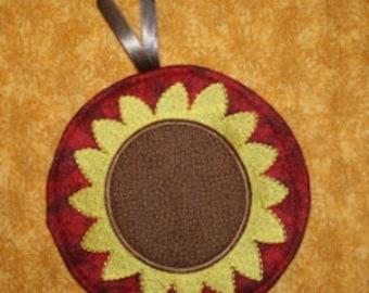 Digital Download  Sunflower Potholder Embroidery Machine Design for the 6x10 hoop