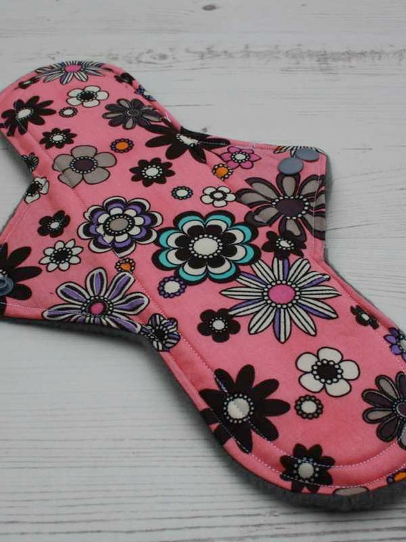 How and why to use cloth menstrual pads. Period ...