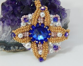 """Crystal and Pearl """"Climatis"""" Pendant"""