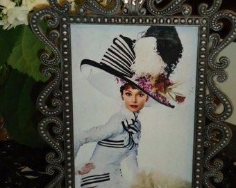 Vintage Classic Elegant Style Photo Frame suited for 4 by 6 inch Photo