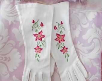 1960's White Cotton Gloves with Embroidered Flowers