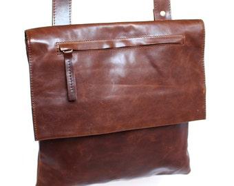 Leather shoulder bag 'Zippy'