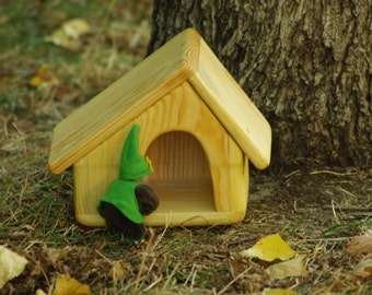 Waldorf wooden house// Natural wooden toys.