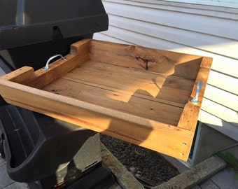 Pallet wood barbecue tray