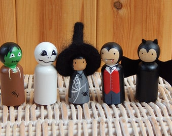 Set of 5 Halloween Peg Dolls, Halloween cake topper, Wooden peg dolls, Halloween decoration, Gothic peg doll