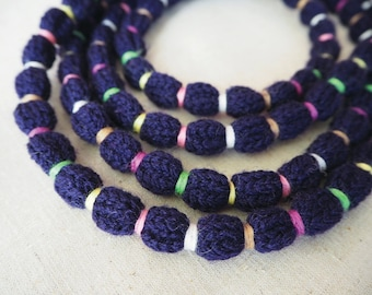 Wool knitted necklace