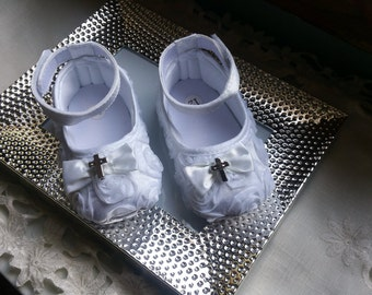 Baptism Baby Shoes, Baby girl white Shoes,White Baby Shoes,Christening baby shoes, baby girl crib shoes, Wedding Baby Shoes, Ready to ship