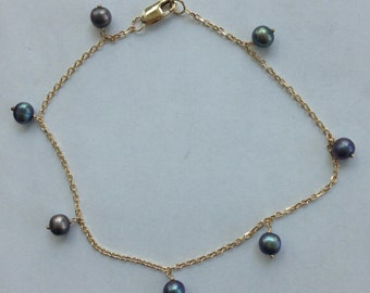 14k solid yellow gold and dangling freshwater pearls bracelet