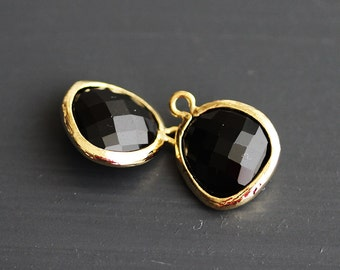 A2-000-G-ON] Onyx Black / 13 x 16mm / Gold plated / Glass Pendant / 2 pieces
