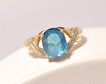 10K Yellow Gold Oval Cut Blue Zircon & Diamond Ring Size 7