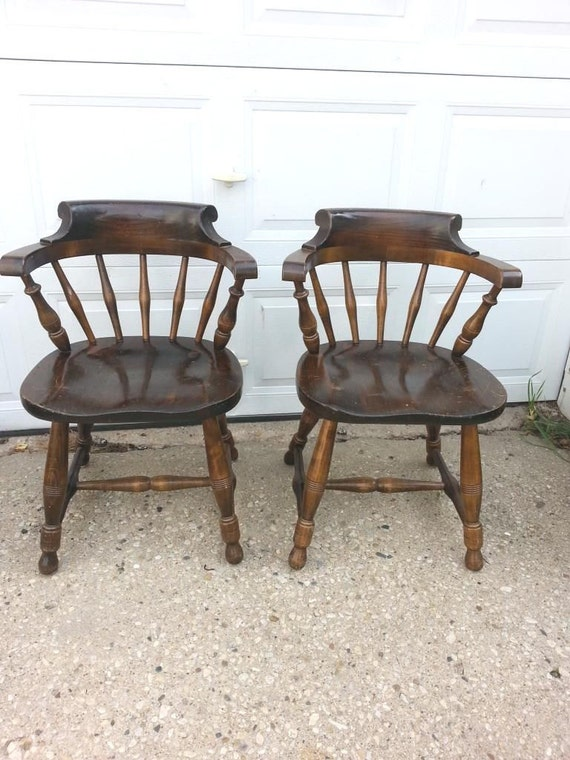 2 Pennsylvania House Captain Chairs Dining Room Windstor back
