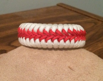 Baseball Inspired Stitched Fishtail Paracord Bracelet