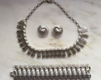 Vintage Sarah Coventry simply elegant full parure necklace, earrings, and bracelet.