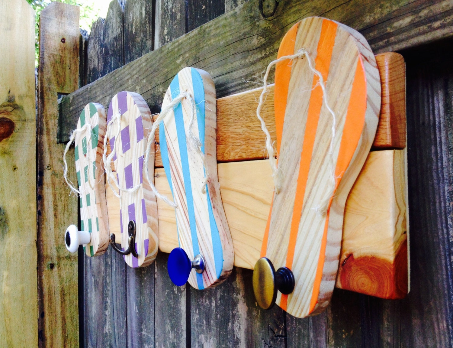 Discover the perfect coastal accessory for your seaside inspired kitchen. Beachy napkin and paper towel holders.