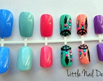 Dream catcher hand painted boho false nails, pastels