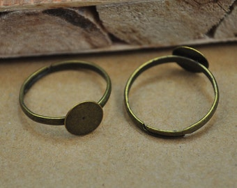 30 Antiqued Bronze Rings,Bronze Ring Base Adjustable with 8mm Round Pad,Adjustable Ring Pads,Blank Rings for Flowers.
