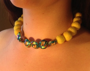 Beautiful Wool beads and hand painted bird beads necklace