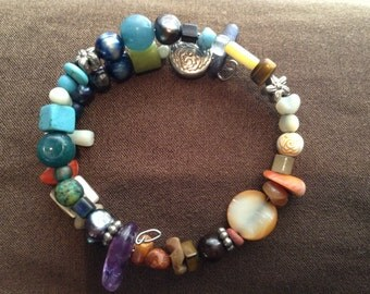 Precious and semi precious stones from all over the americas and islands,memory braclet