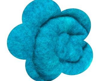 Needle Felting Wool. Canadian Merino Wool.  Batts, Fleece, Carded. Wet felting. Sky blue / Brilliant blue / Caribbean blue