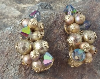 Vintage Gold Pearl Cluster Clip-on Earrings