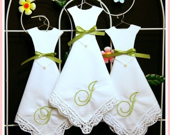Wedding Hankerchief-Set of 3-Monogram Handkerchief-EMBROIDERY hankies-Dress Handkerchief-Wedding gift-Lace Hankerchief-Bridesmaid gifts