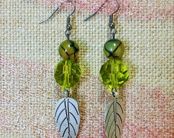 Leafy Green Dangling Earrings