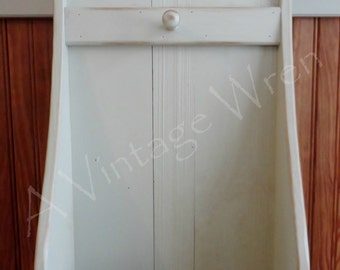 Hand made, painted shaker style wall box/ Primitive wall box/ Colonial wall box/ Reproduction colonial wall box
