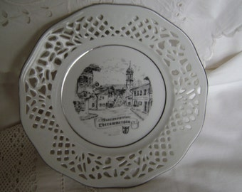 Oberammergau Passion Play souvenir - White china plate with pierced pattern to the broad rim and gold edge.Central transfer.