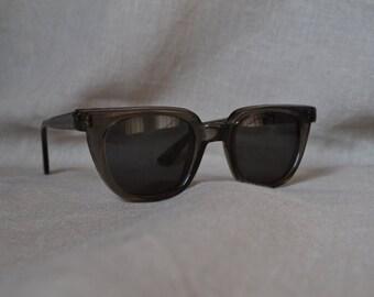 Vintage Wayfarer style sunglasses NEW lenses