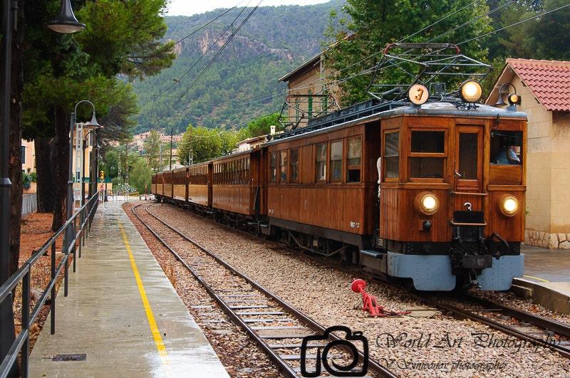 Palma de Mallorca old railroad Vintage by WorldArtPhotography -> Vintage Möbel Palma De Mallorca