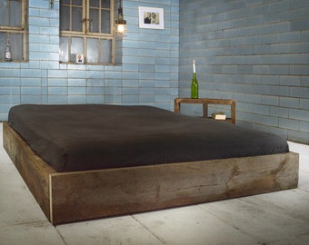Purist bed from recycled lumber. CERESTE