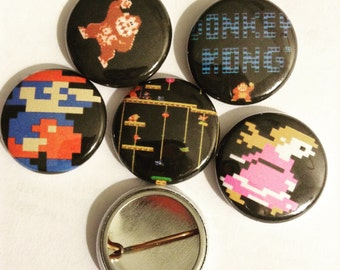"1"" Mario Donkey Kong Set Of (5) Pin Buttons"