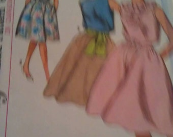 Simplicity Pattern No. 5505 Size 14
