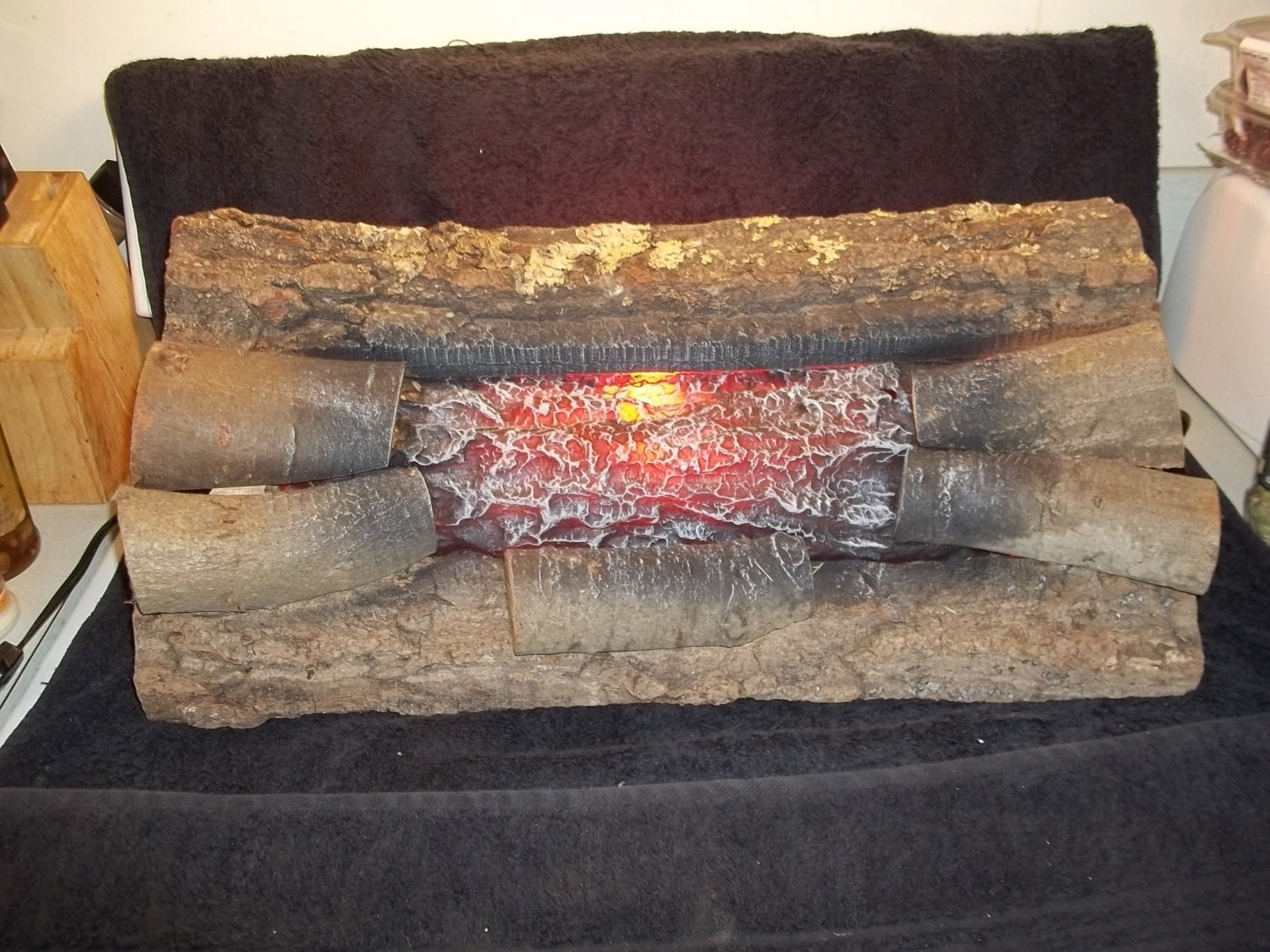 Vintage Lighted Flickering Faux Flame Crackling Fireplace Logs