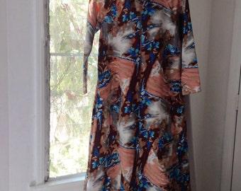 Fab 70s Vintage 1970s Caftan/Hostess Maxi Lounge Dress bold flower Print Kaftan Vintage Montgomery Wards Sz small
