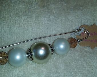 Sweater or Scarf Pin - Tan, Cream & Amber Glass Pearls and Crystals