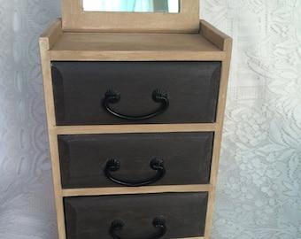 Wooden Box-Vintage Lady