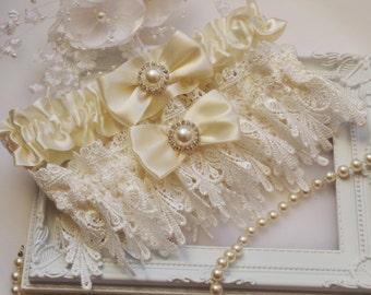 Wedding Garter  Bridal Garter Garter Set Lace Garter Ivory White Ivory Lace Wedding Garter Set Bridal Garter Wedding Garters Ivory Weddings