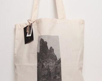 Canvas tote : mountain landscape