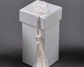 Decorated Box- Lace&Tuft (5X5X10)