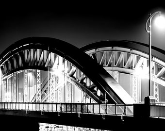 Photography, Honsellbrücke in Frankfurt at night