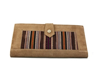 Handmade Guatemalan Embroidery with Genuine Leather Women's Bi-Folded Wallet