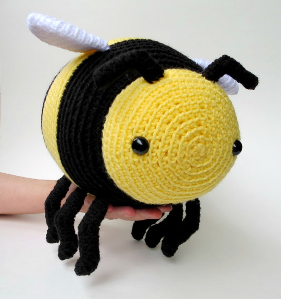 Large amigurumi bee pattern - crochet bumble bee, crochet ...