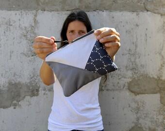 geometric zip pouch. Canvas zip pouch. Canvas bag. Zipper