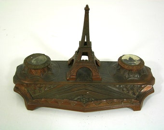 Beautiful old desk Accessory, garnish, Eiffel Tower Paris, cast metal bronzed, Top Vintage