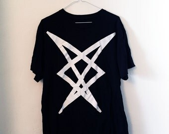 Angular abstract print t-shirt (L)
