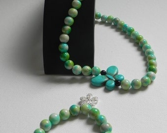 necklace or green colored jade beads bracelet