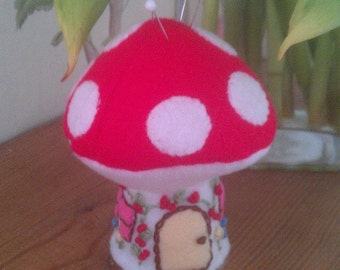 Fairy Toadstool Pincushion.