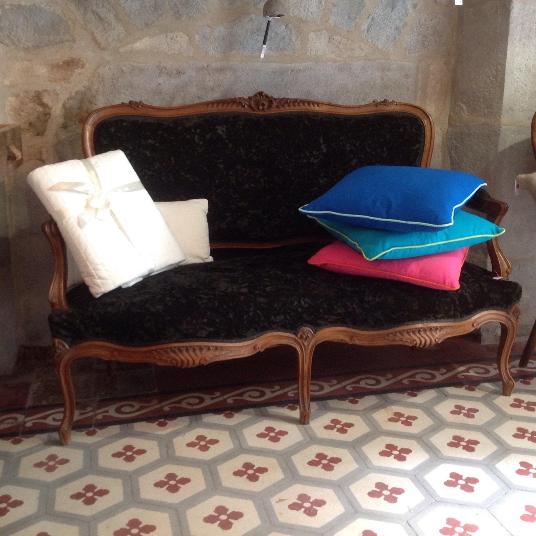 canap r tro noir haute juice. Black Bedroom Furniture Sets. Home Design Ideas